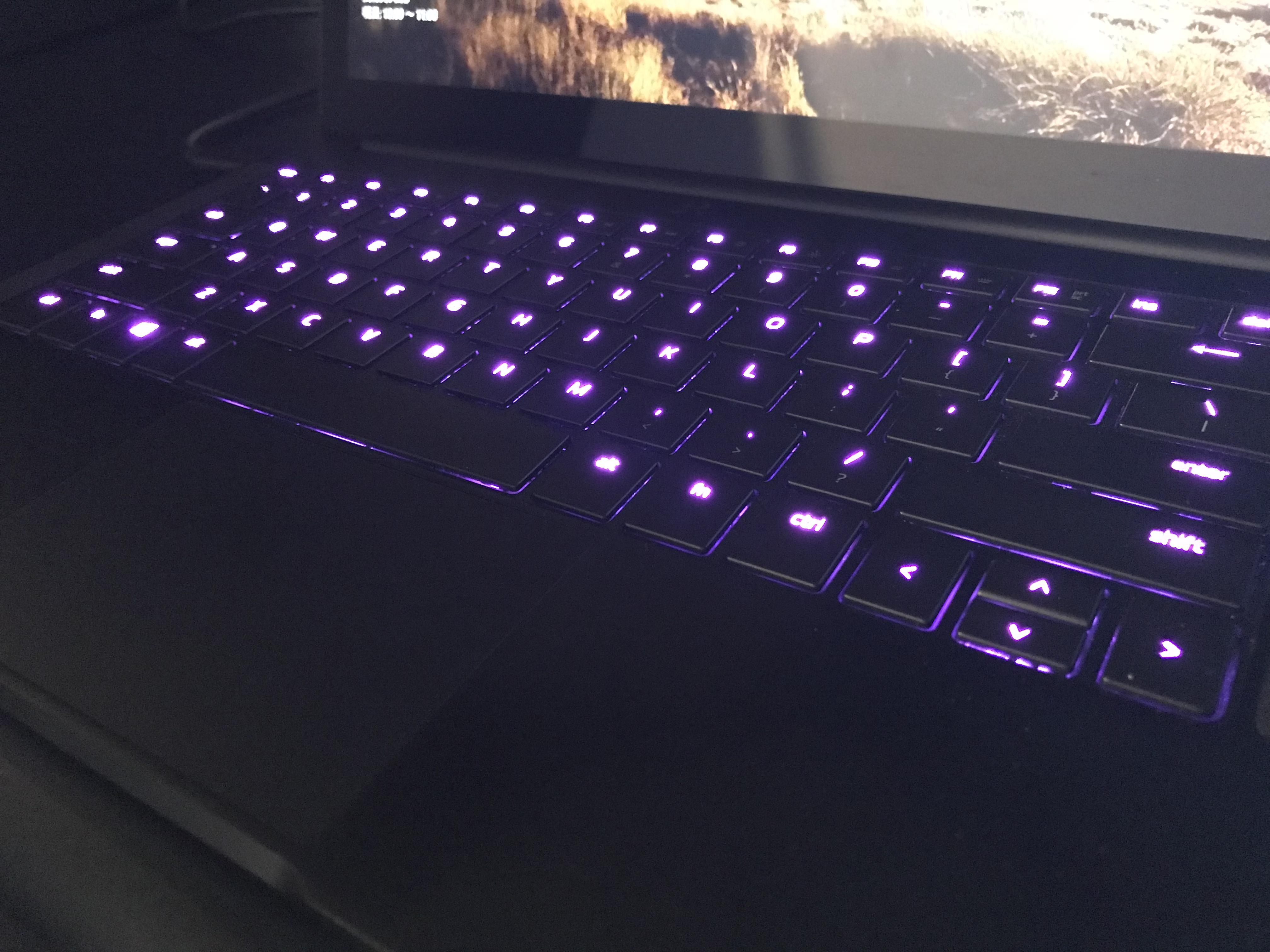 七色に輝くRazer Chroma™